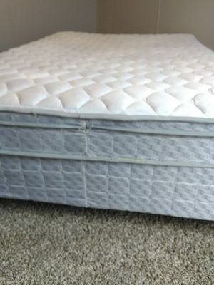 Double bed one year old clean! for Sale in Des Moines, IA