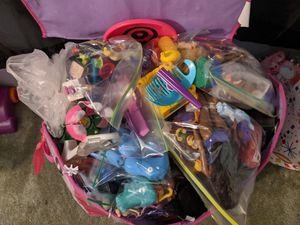 Frozen toy box with toys for Sale in Moreno Valley, CA