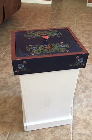 DECORATIVE STORAGE CONTAINER for Sale in Cape Coral, FL