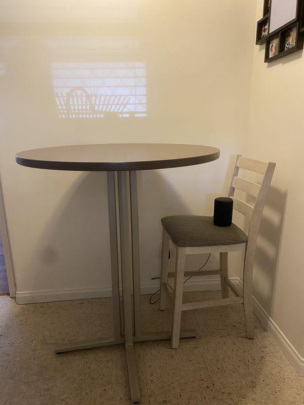Bar Kitchen table