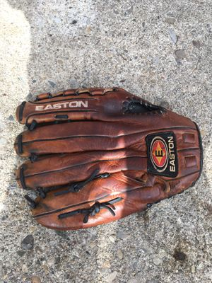 "Easton baseball/ softball glove 13"" for Sale in Reynoldsburg, OH"