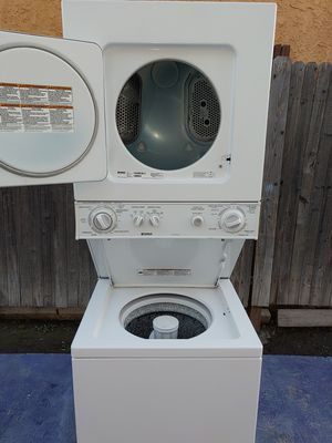 KENMORE STACKABLE WASHER AND GAS DRYER SET for Sale in Pico Rivera, CA
