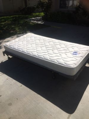 Free mattress for Sale in Moreno Valley, CA