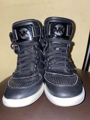 Michael Kors women's sneakers size 7 for Sale in Atlanta, GA