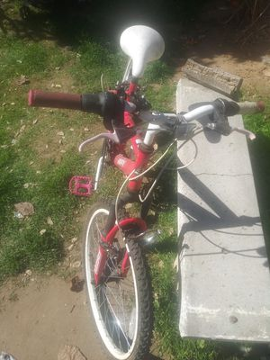 Pink huffy for Sale in Fresno, CA