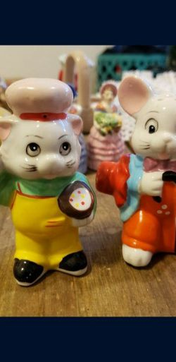 Vintage 1960s Cat And Mouse Salt And Pepper for Sale in Fresno,  CA