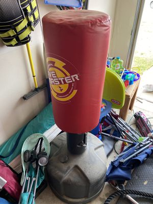 Wave master punching bag for Sale in Kyle, TX