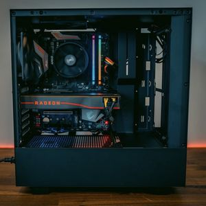 NZXT H510 Mid Tower PC Case for Sale in Goodyear, AZ