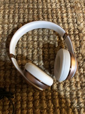 Rose gold beats-wireless head phones for Sale in Tacoma, WA
