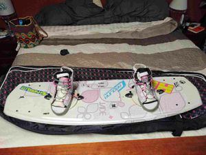 Woman's Hyperlite Jade 134 Wakeboard for Sale in Chapin, SC