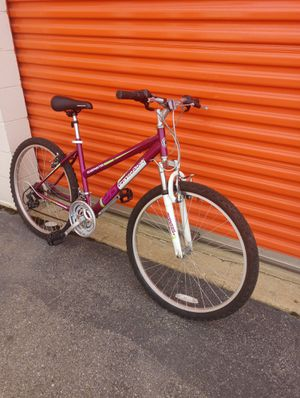 Bicycle 26 inches weels for Sale in Hyattsville, MD