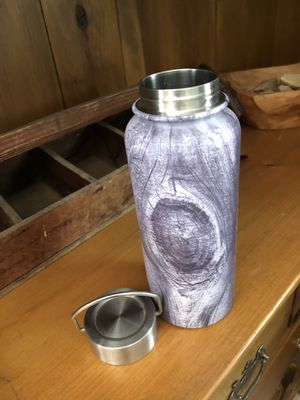 Wood theme stainless steel water bottle. In EUC for Sale in Franklin, TN