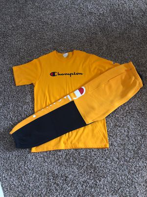 Champion men sweatpants and shirt for Sale in Navarre, FL