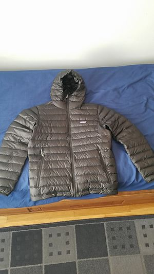 Mens (Down Feathers) medium Patagonia Jacket for Sale in Los Angeles, CA