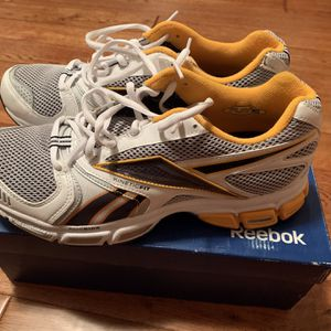 Reebok DMX Ride Running Shoes for Sale in East Providence, RI