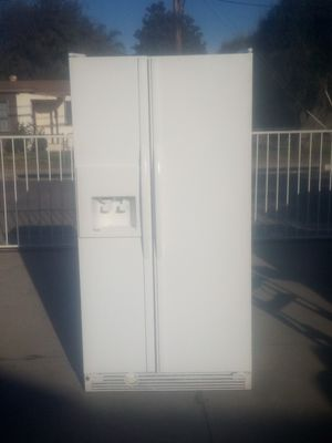 WHIRLPOOL SIDE BY SIDE REFRIGERATOR ***DELIVERY AVAILABLE*** for Sale in Pomona, CA