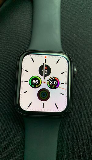 Apple Watch Series 5 44mm for Sale in Chicago, IL
