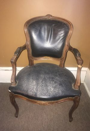 Fixer upper Antique chair for Sale in Cleveland, OH