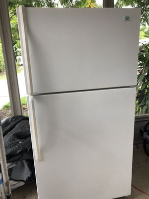 Roper refrigerator for Sale in New Port Richey, FL