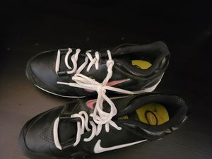 Softball glove and cleats size 9 for Sale in New Rochelle, NY