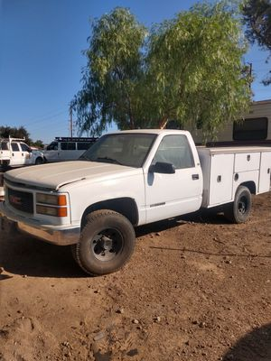 1999 gmc 3500 parts only. for Sale in Riverside, CA