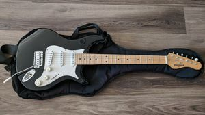 Behringer stratocaster electric guitar (with soft case) for Sale in Los Angeles, CA