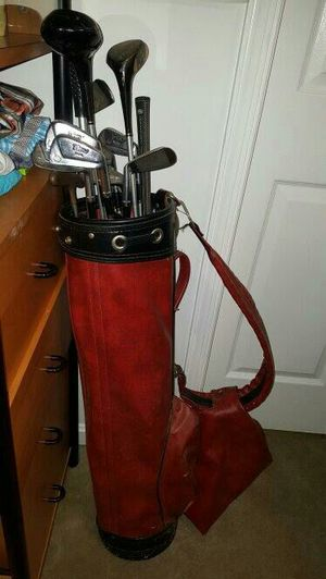 Golf clubs in bag for Sale in Manassas, VA