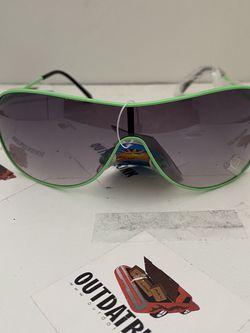 Unisex green metal aviator sunglasses for Sale in NJ,  US