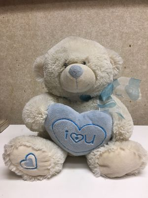 White Valentine's day stuffed bear with plushy heart for Sale in Orlando, FL