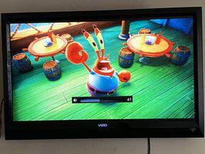 "Vizio Tv 40"" inches flat screen tv for Sale in Riverside, CA"