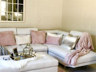 WHITE OR BLACK IBIZA SECTIONAL SOFA WITH OTTOMAN ON SALE!! Fast Same Day Delivery! No Credit Needed Financing for Sale in Orlando,  FL
