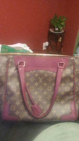 Louis Vuitton hand bag. for Sale in Nashville, TN