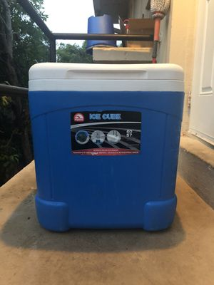 """Igloo cooler """"blue"""" for Sale in North Miami Beach, FL"""