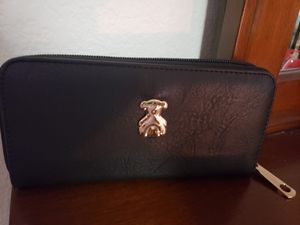 Purses and wallet for Sale in Fort Stewart, GA