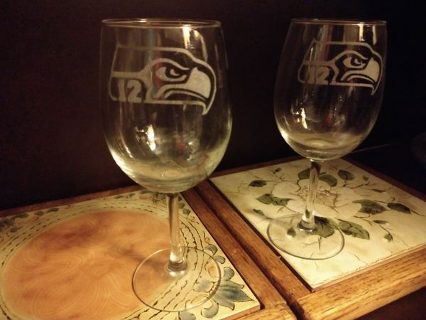 Seattle Seahawks 12 Man Etched Glass Collectable Wine Glasses