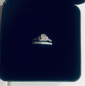 14 k white gold diamond wedding set for Sale in Vallejo, CA