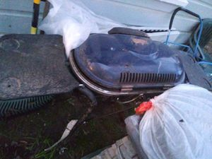 gas grill in good condition only used a couple of times is very small for my family free for Sale in Longview, TX