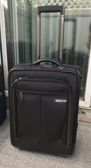 """Samsonite premier ll vertical - Carry-on 21"""" luggage for Sale in Watertown, MA"""
