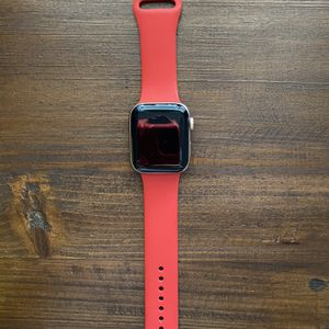 Apple Watch Gold Series 5 GPS 44MM for Sale in Azusa, CA
