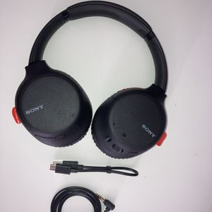 SONY noise canceling wireless headphones for Sale in Westminster, CA