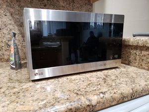 LG Microwave for Sale in Vista, CA