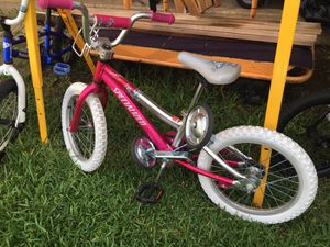 Specialized Girls Bike With Training Wheels for Sale in Colleyville, TX
