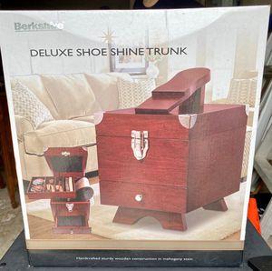 Deluxe Shoe Shine Trunk for Sale in San Antonio, TX