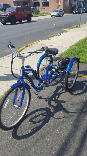 2017 Schwinn Town and Country trike with motor for Sale in Paterson, NJ