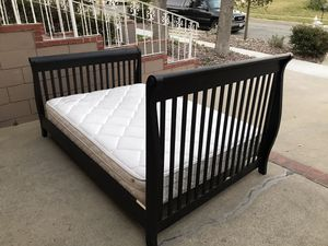 Full size bed and frame for Sale in Upland, CA