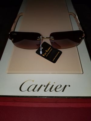 Beautiful classy sunglasses many styles available for Sale in Cleveland, OH