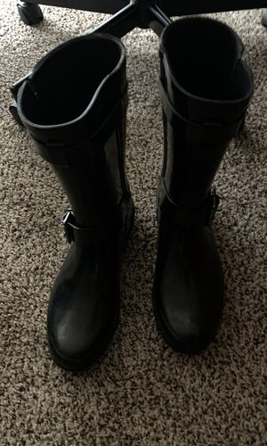 Ladies size 7 Burberry rain boots for Sale in Canton, MI