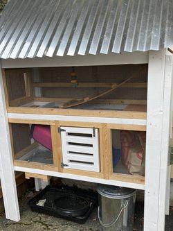 Rabbit Hutch for Sale in Lynnwood,  WA