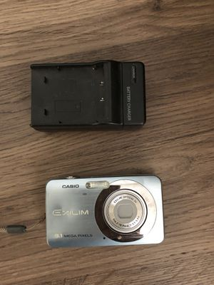 Casio EXILIM ZOOM EX-Z80 8.1 MP Compact Digital Camera - Blue for Sale in Moreno Valley, CA