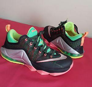 Men's Nike Lebron XII Low Remix Green Pink Metlc Silver SIZE 8 for Sale in Marietta, GA